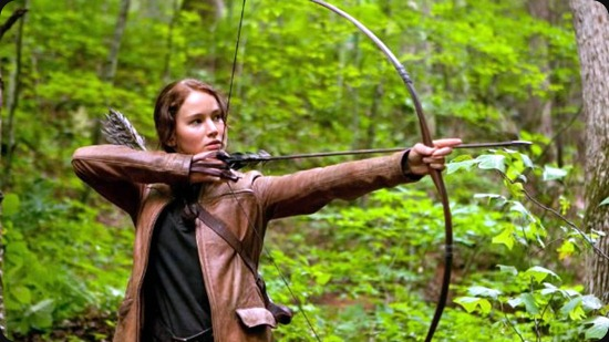 katniss with boy and arrow