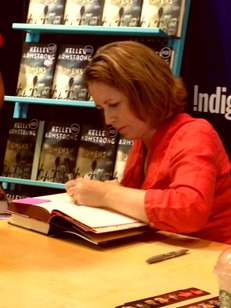 Kelley Armstrong Signing