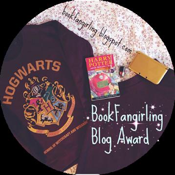 book fangirling blog award