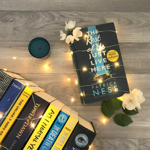 Review Patrick Ness The Rest of Us Just Live Here