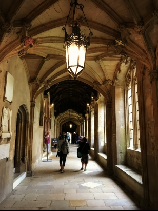 christ-churst-cloisters-harry-potter-oxford.jpg